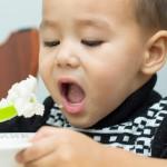 うちの子いつもグズってる!おやつを変えて子どものココロを育てよう!