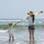 【遊びの先生が教える】親子の海遊びで、子供の感性をぐっと伸ばそう!