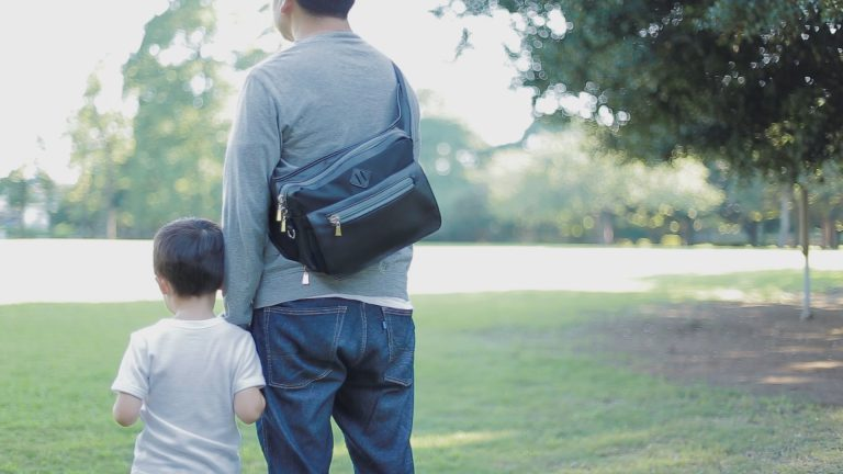 子どもとのお出かけには必須のパパバッグ